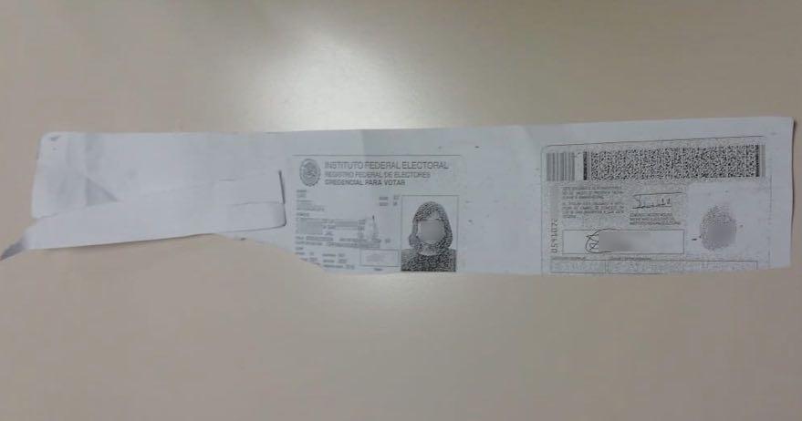 Copia de identificacion oficial que dejaron en papeleria