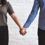 si se puede hacer una Venta de Casa entre esposos