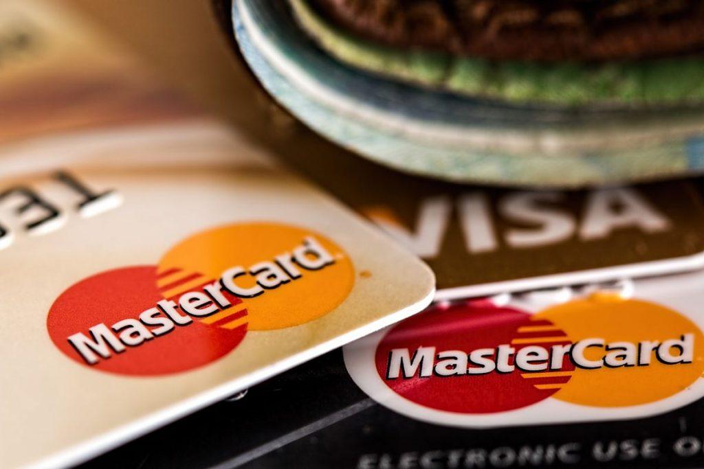 ¿ Cuántas tarjetas de Crédito conviene tener ?