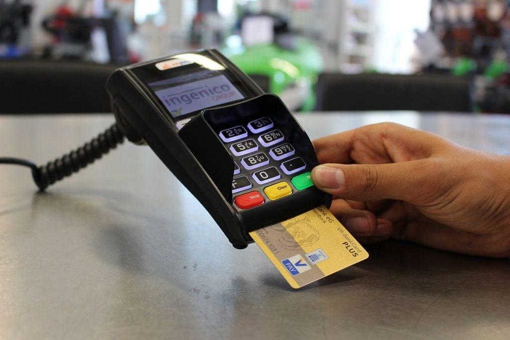 Factura inmediata al pagar con Tarjetas de crédito o Débito