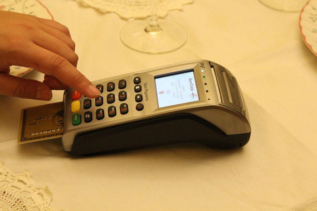 Por qué no estoy de acuerdo con digitar mi NIP al hacer pagos con tarjeta