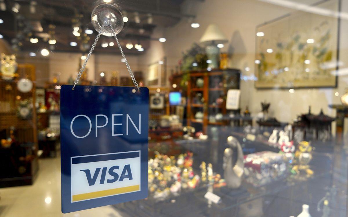 realmente le convienen las tarjetas de credito a los bancos